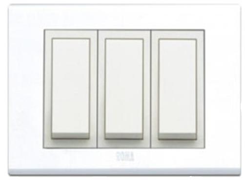 Roma  Lira  Plates  With White Frame